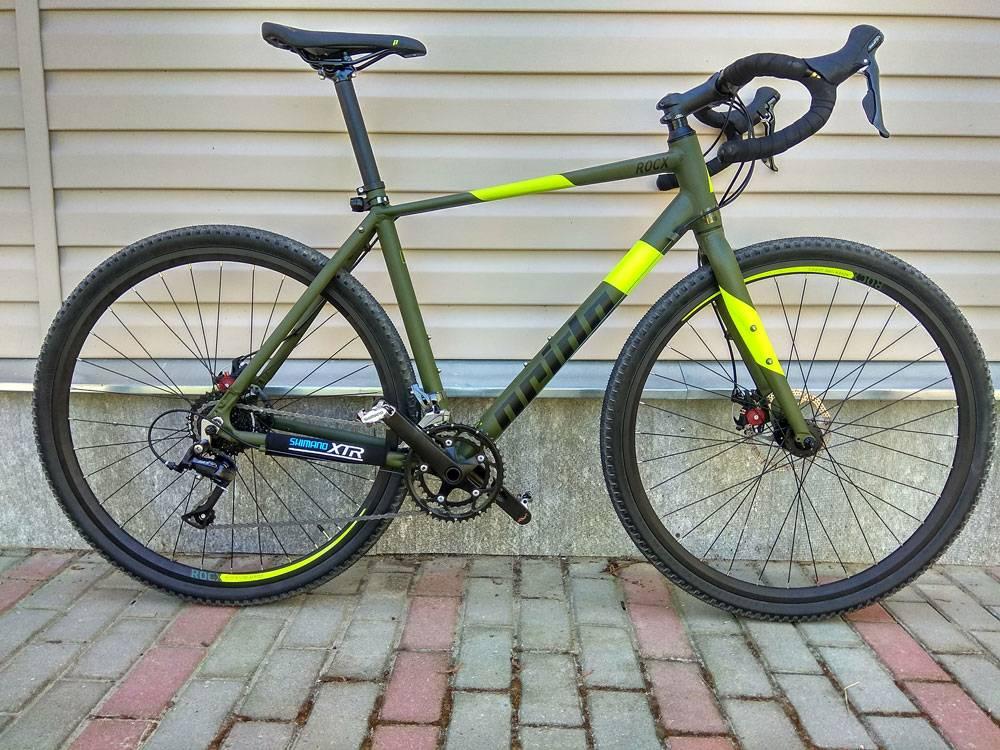Грэвел — нечто среднее между кантрийным и шоссейным велосипедом