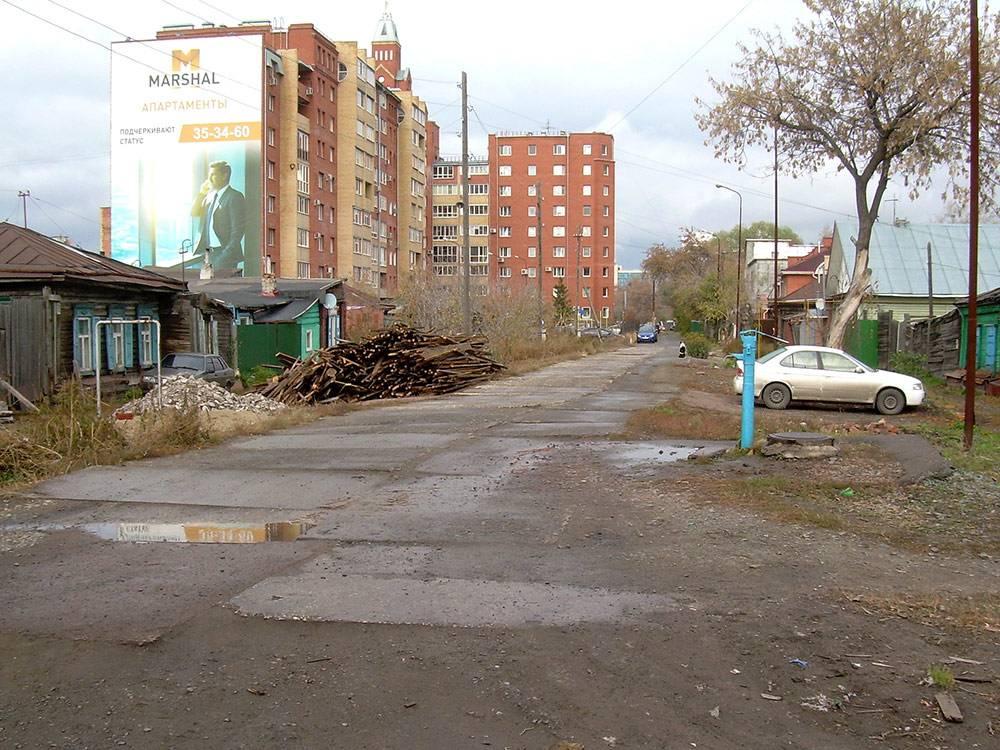 Улица Слободская, центр города. Здесь еще сохранился частный сектор