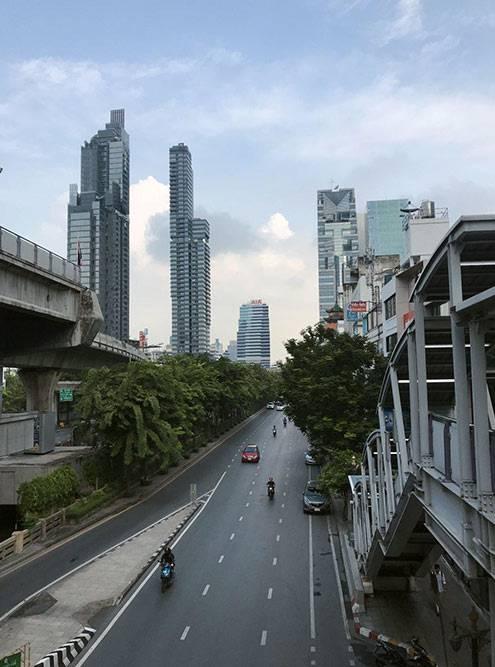В Таиланде левостороннее движение