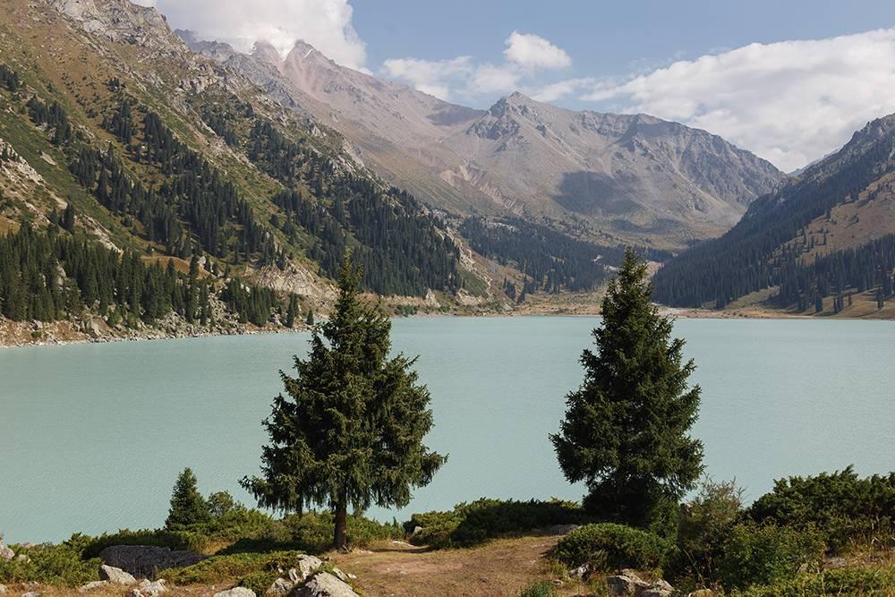 Когда я была на озере, оно было бирюзового цвета