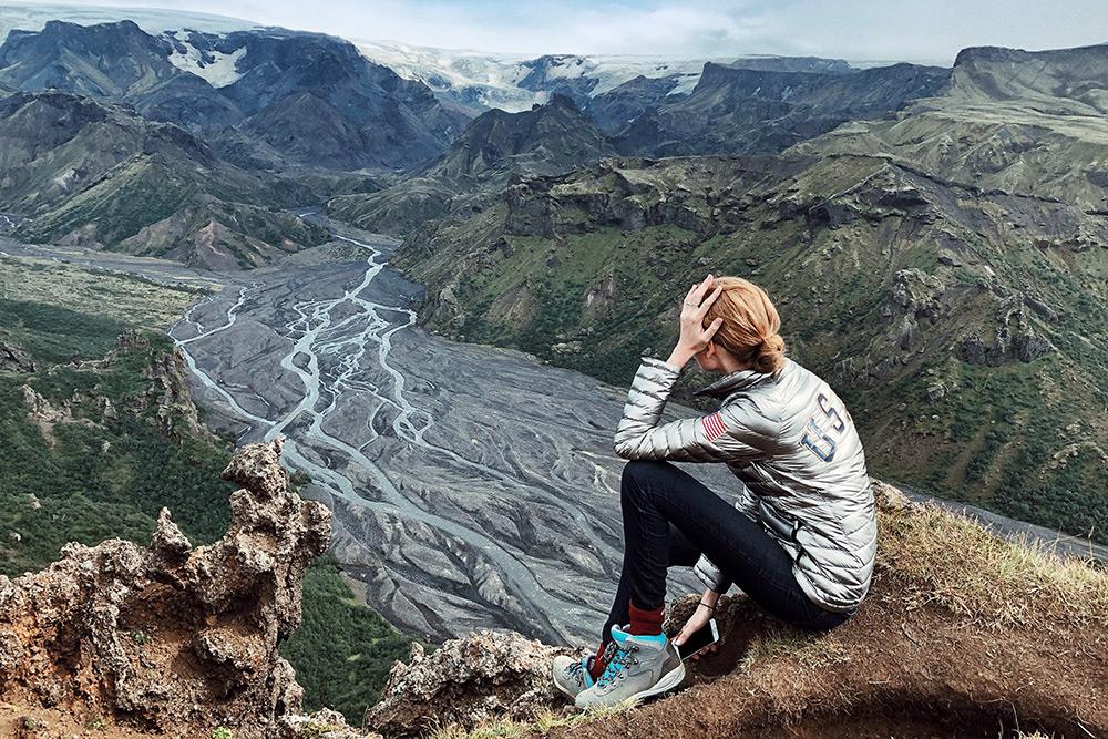 С вершин над долиной Торсмёрк можно полюбоваться не только видом на вулкан Эйяфьядлайёкюдль, но и бродами. Чтобы сюда добраться, нужно пересечь их