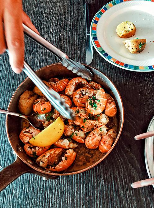 Лангустины в ресторане Fjöruborðið