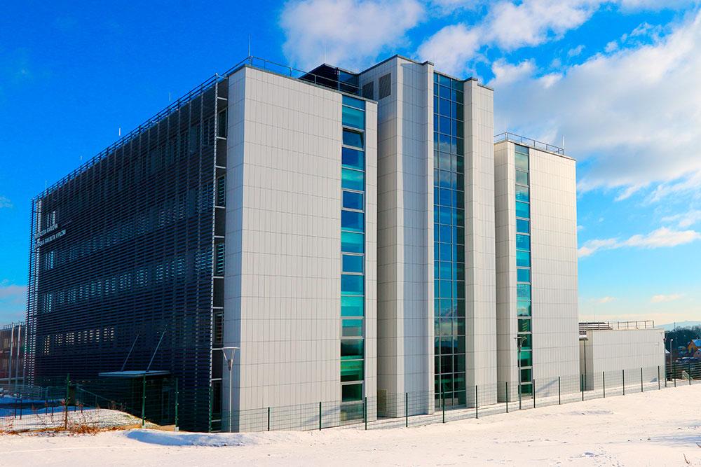 Корпус UNIMEC, где находятся кафедры физиологии, физики, биологии и самый большой лекционный зал. Фото: Kletr / Shutterstock