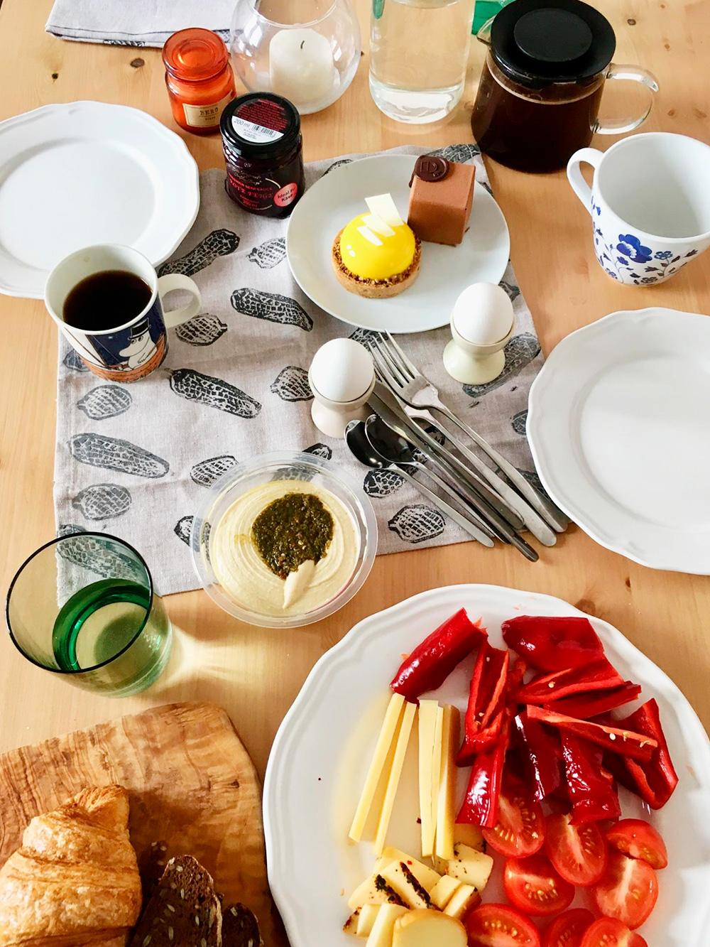 В присутствии бойфренда культура завтраков в доме сильно повышается