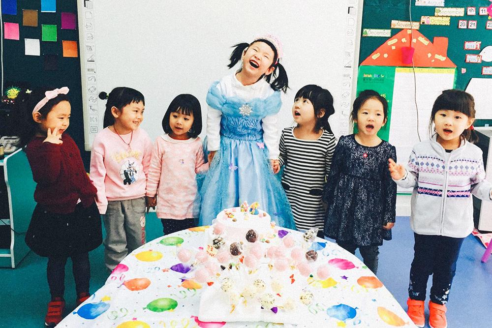 Первый вопрос, который мне задавали о китайцах: различаю ли я лица детей в детском саду. На мой взгляд, дети все не похожи, а когда проводишь с ними каждый день — становятся милыми и любимыми