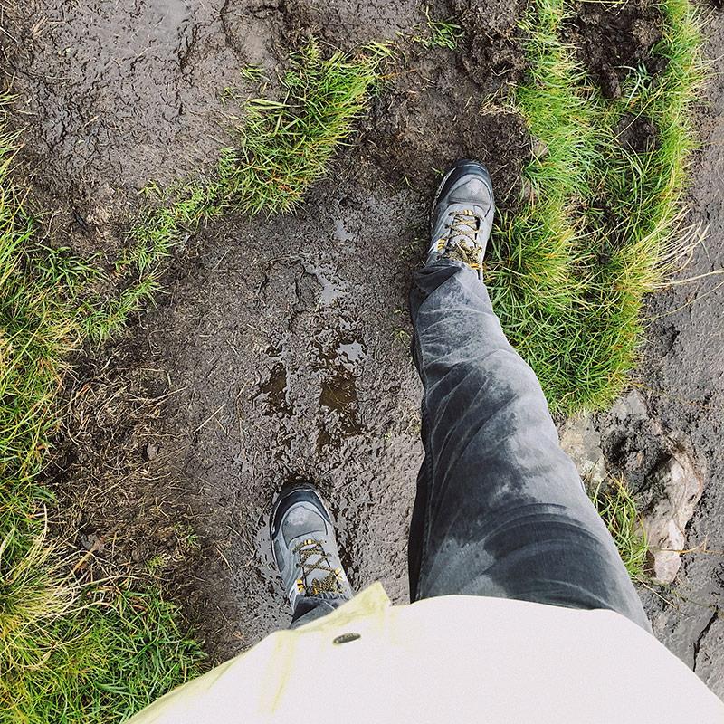 Дождь заставал меня практически каждый день на островах Льюис, Харрис и Скай. Он шел регулярно, но недолго — несколько минут раз в час
