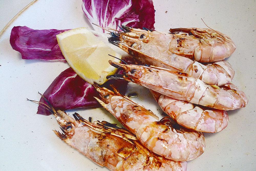Из морепродуктов на Сардинии мне понравились креветки на гриле