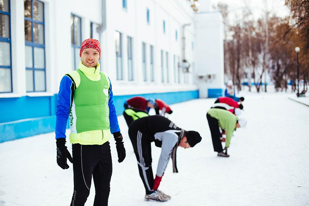Александр принимает участие в зимней тренировке на открытом воздухе