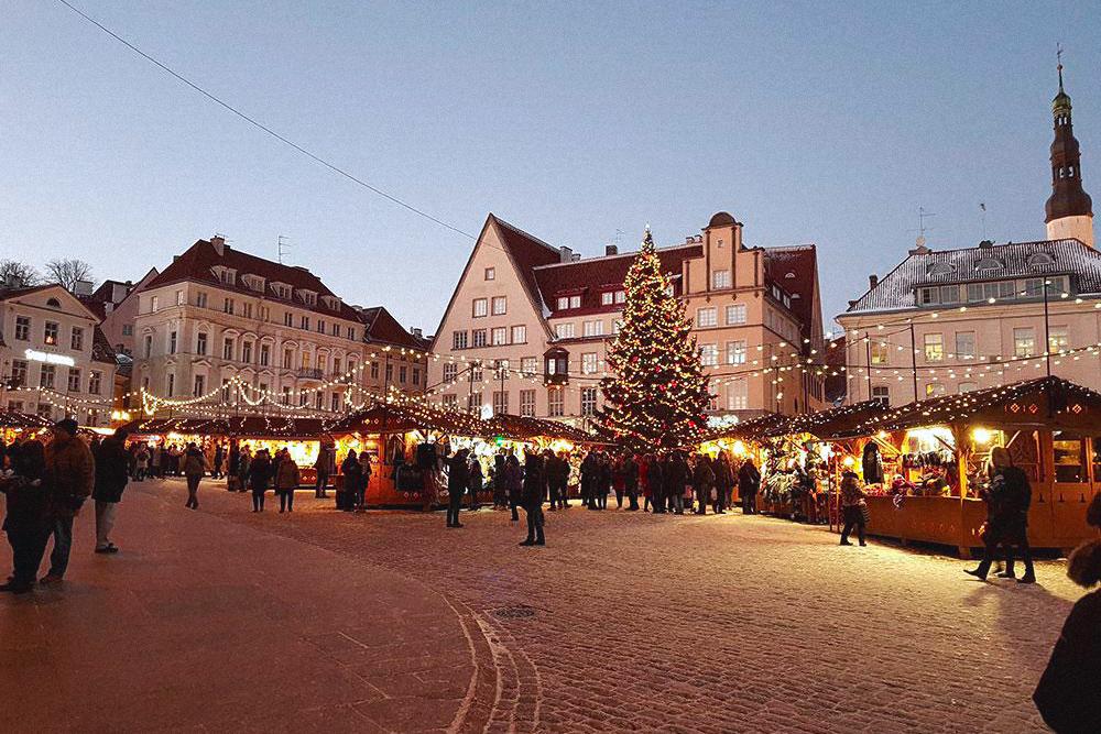 Рождественская ярмарка на Ратушной площади работала с 24 декабря по 6 января