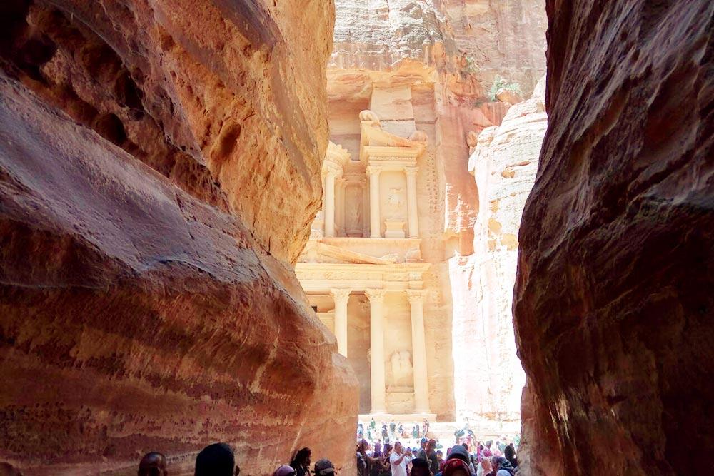Древний город Петра — символ Иордании и памятник Юнеско