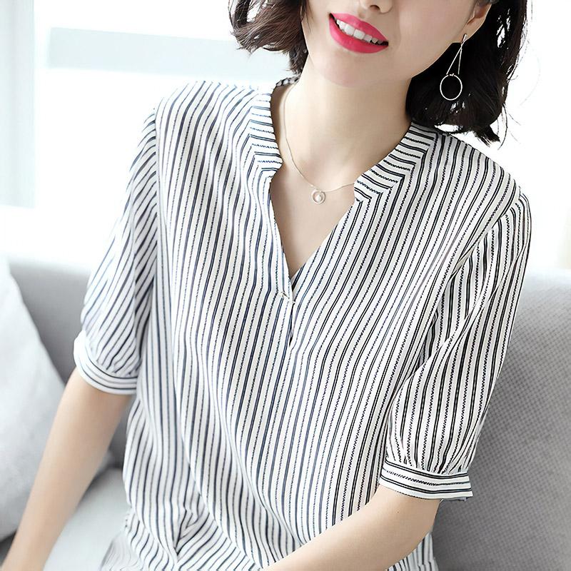 Крепдешиновая блузка, 5617 рублей. Пришлют за 22 дня. Для поиска: pure silk shirt или pure silk blouse