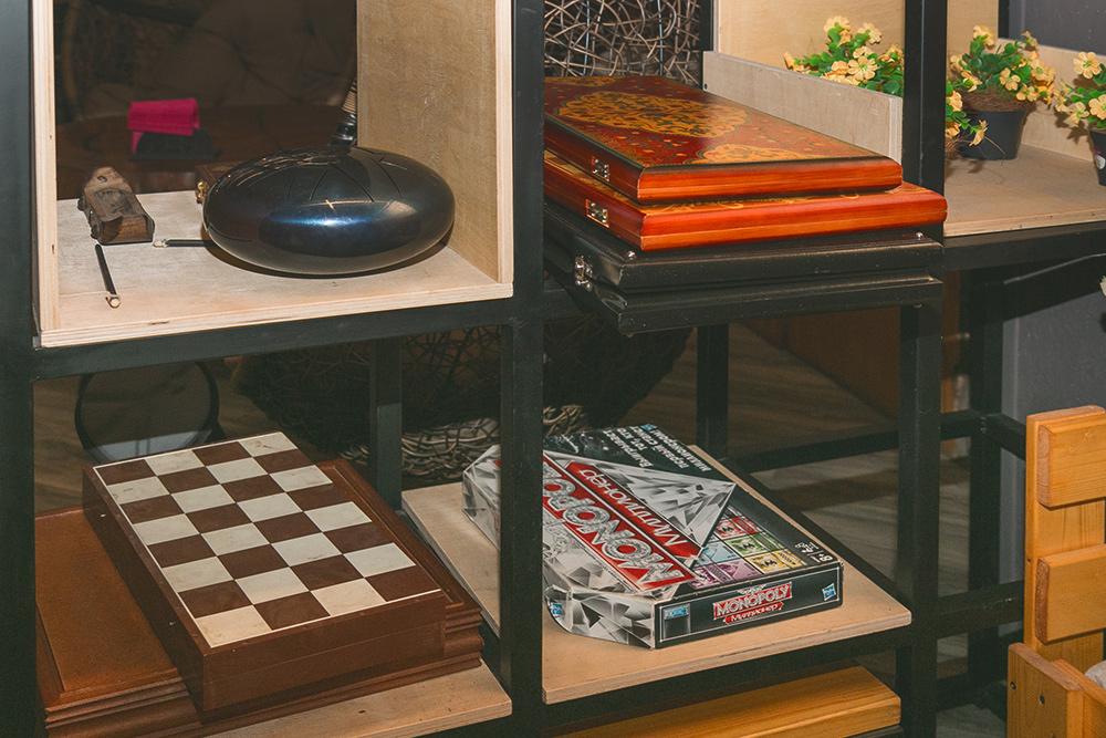 У нас есть не только популярные настолки, шахматы и нарды, нои уникальные китайские и вообще восточные игры, которых вВоронеже больше нигде ненайти