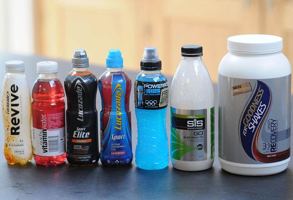 Чаще изотоники продают в жидком виде, но бывают и в порошке. Источник: body-pit.ru