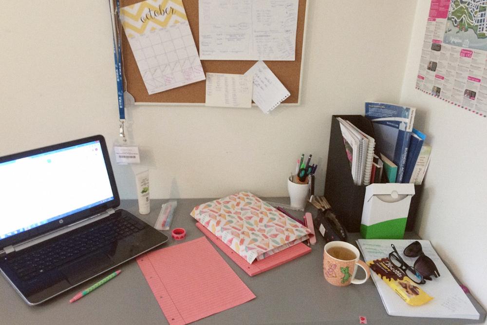 Так выглядело мое рабочее место на первом курсе