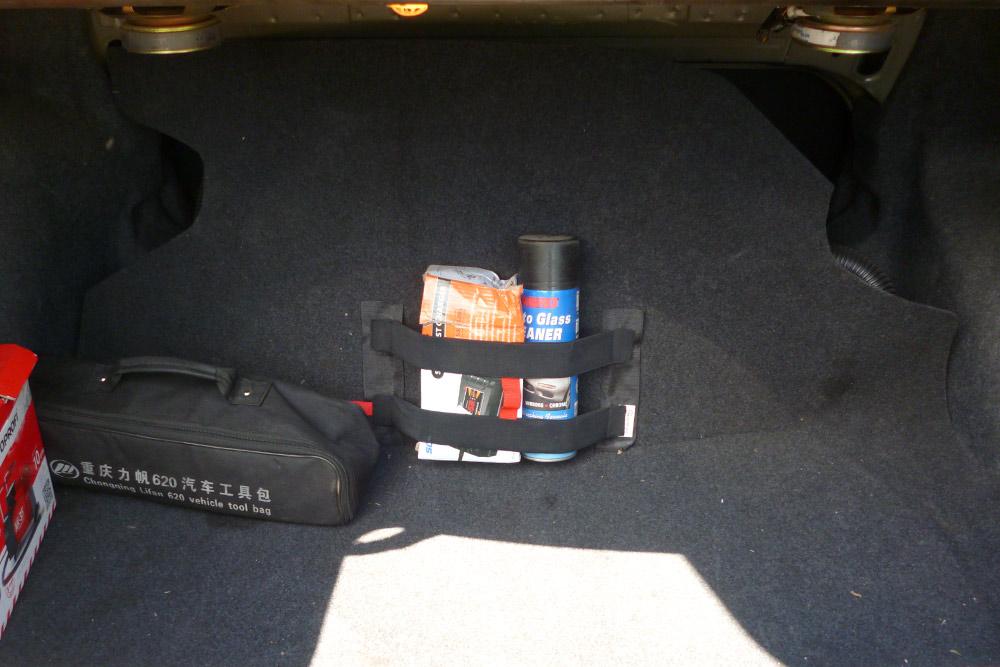 Полезный объем багажника уменьшился, но не критично. После установки баллон закрыли обшивкой — почти незаметно