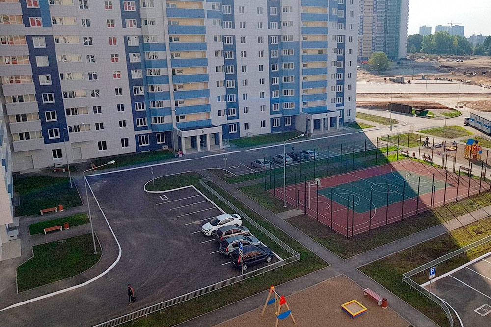 Все дома в жилом комплексе сдают с благоустроенной детской площадкой