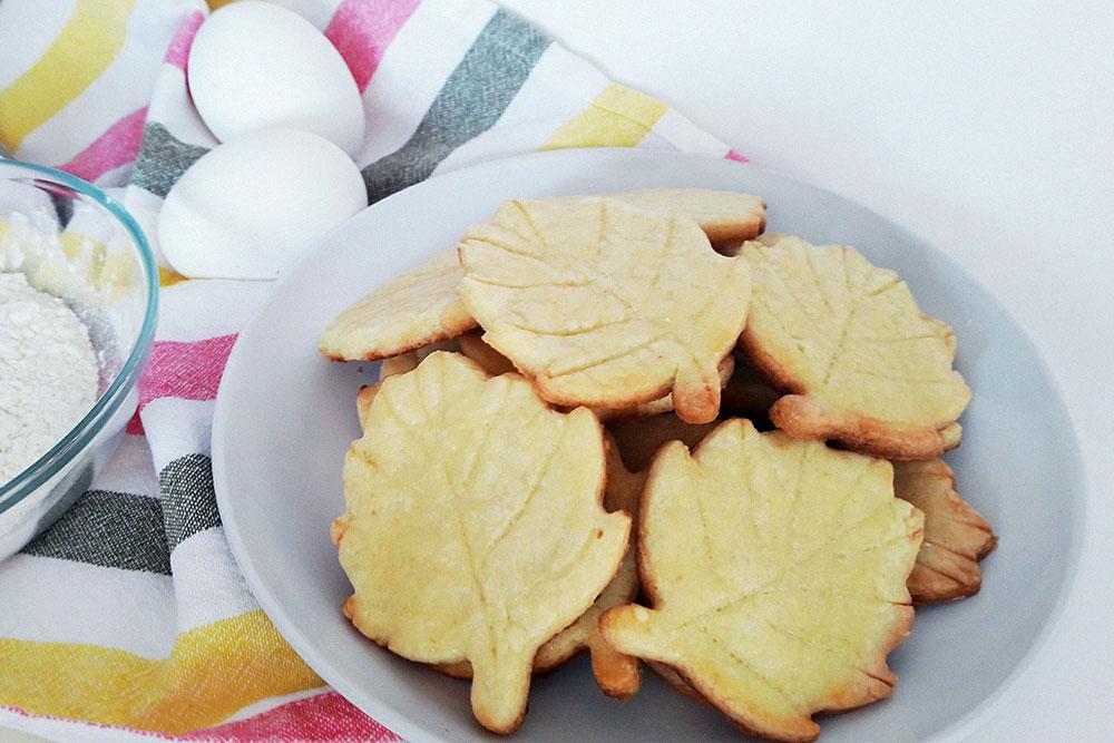 Еще одна экзаменационная работа — песочное печенье «Листики»