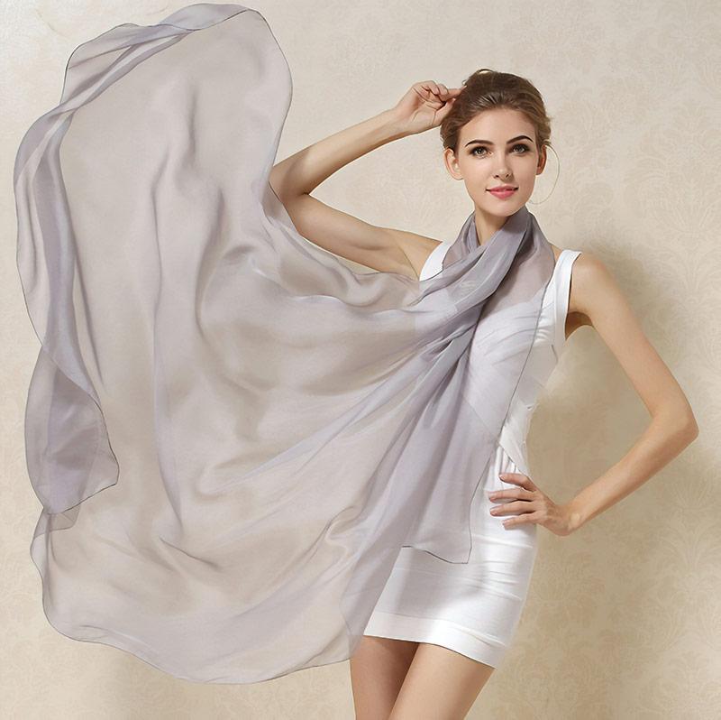 Шелковый шарф за 1279 рублей. Будет ехать 22 дня. Ищите по запросам pure silk scarf, pure silk square, pure silk shawl