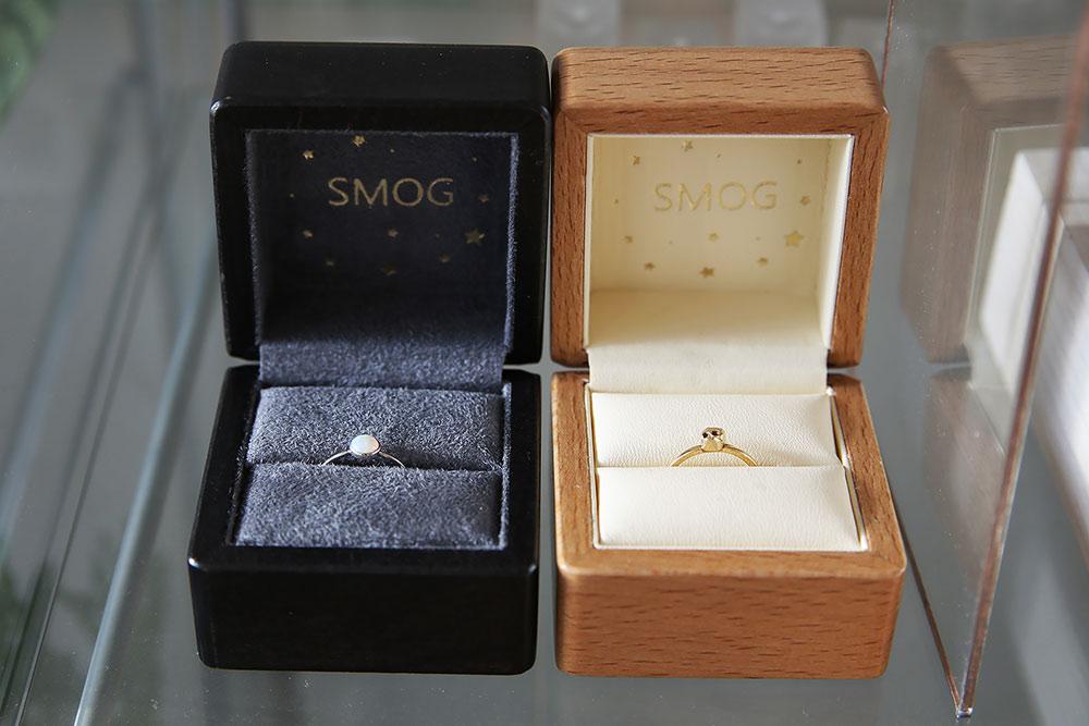 За дополнительную 1000 рублей клиент может заказать деревянную подарочную коробку для кольца