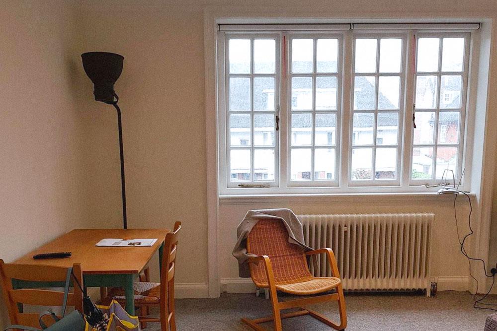 Наша квартира сдавалась почти без мебели, поэтому часть мы купили самостоятельно, часть приехала из России в контейнере