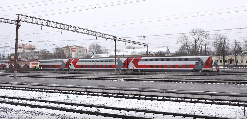 Железнодорожный вокзал «Брянск-Орловский». Отправление фирменного поезда в Москву