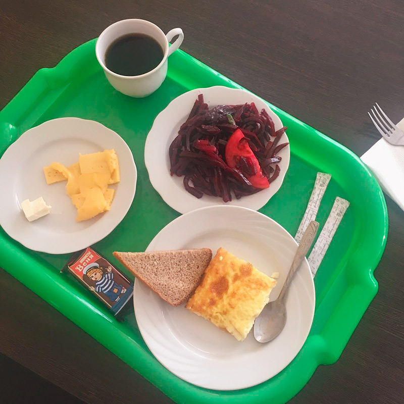 Завтрак в гостинице за 200<span class=ruble>Р</span>