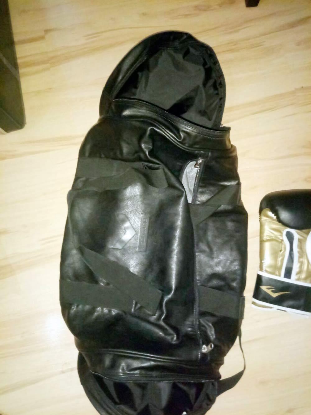 Моя сумка дляэкипировки. Чтобы было видно, какая она огромная, я положил рядом перчатку