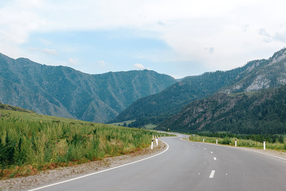 Дорога в сторону Ороктойского моста через Катунь. Фото: Елена Симакова