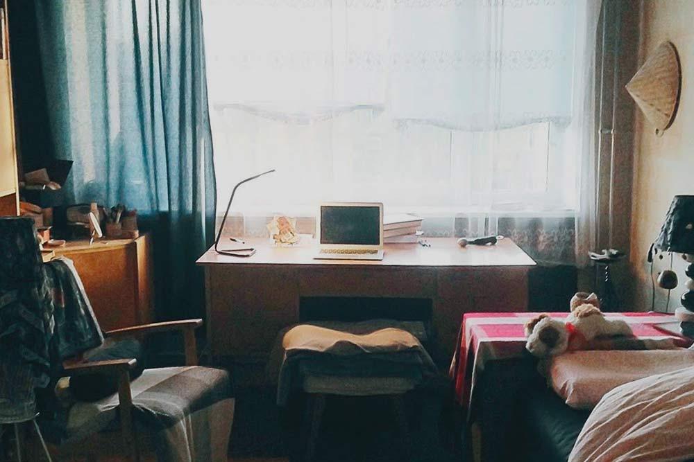 Моя комната в съемной квартире. Вся мебель хозяйская