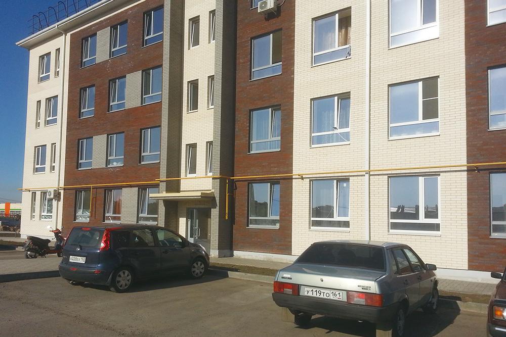 В Аксае под Ростовом сняли квартиру в новом доме за 1200 рублей