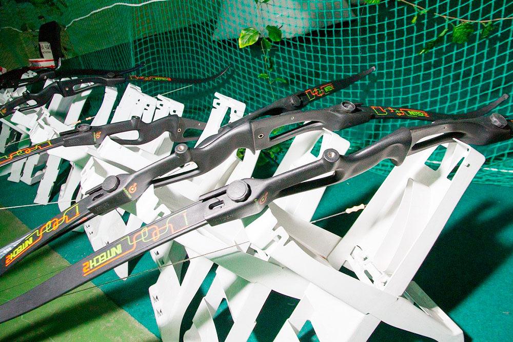 Снаряжение изнашивается в среднем за 6—10 месяцев эксплуатации, стрелы мы обновляли раз в квартал