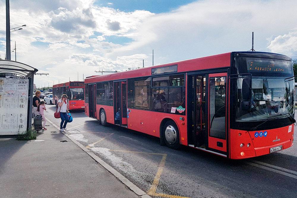Жители называют автобусы «краснобусами»