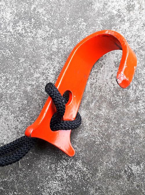 Скайхук и присоска облегчают работу на веревке без опоры