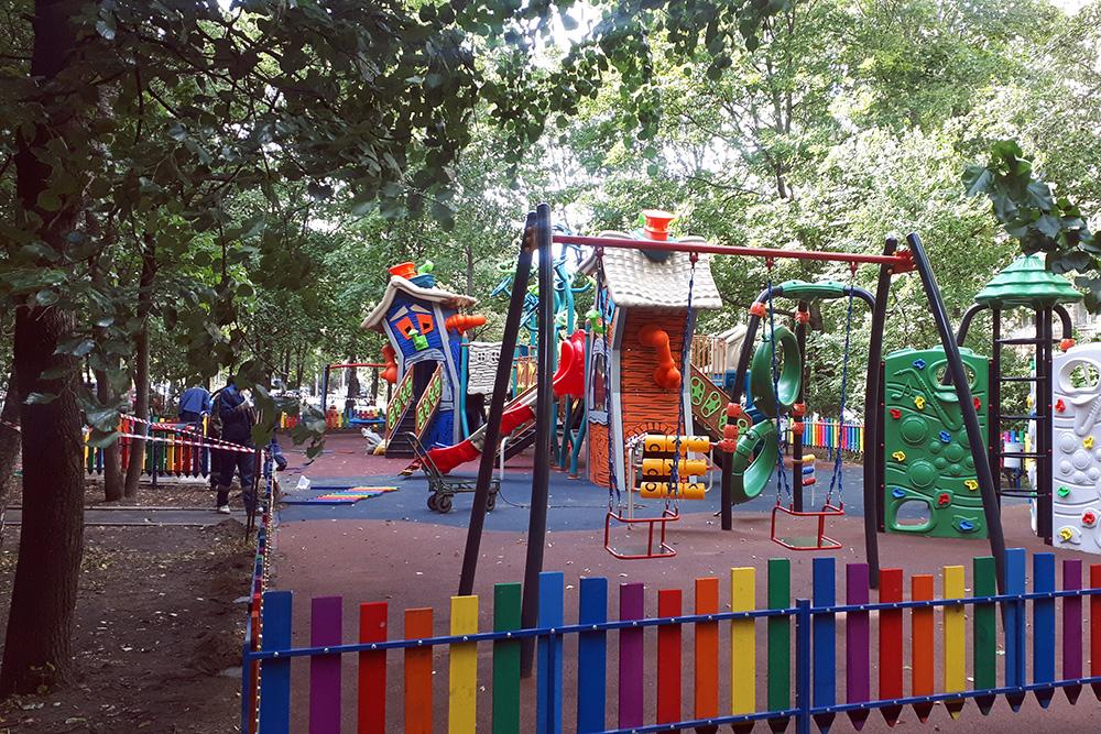Новая детская площадка в Головинском районе