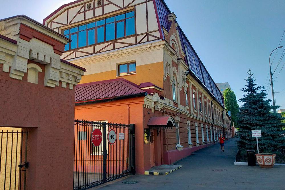 Табачная фабрика в центре Саратова
