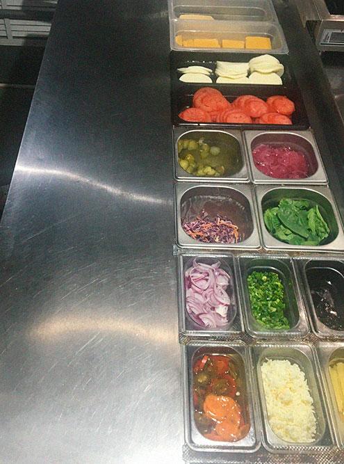Саладетта — охлаждаемый стол для салатов и заготовок — экономит время поварам