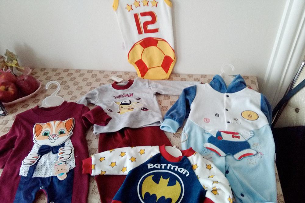 Одежду нам начали дарить еще до рождения сына