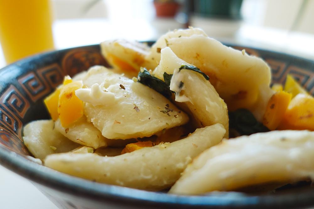 Польские пироги бывают с картошкой, мясом, грибами, квашеной капустой, вишней и яблоком. Фото: Geoff Peters/Flickr