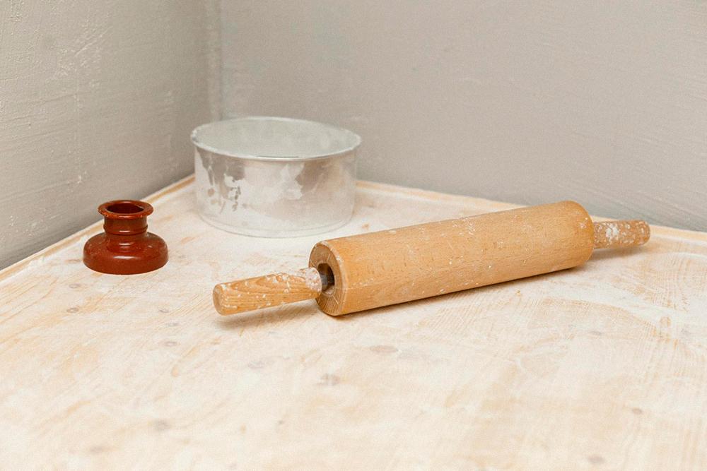 Форма для пончиков, скалка и сито — инвентарь первой необходимости