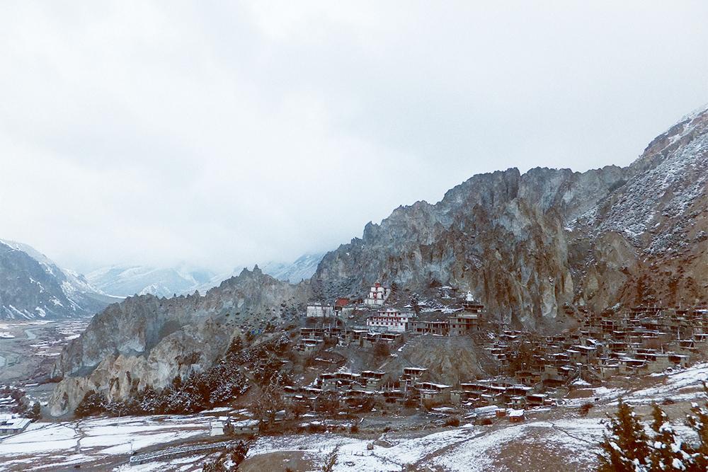 Выше 3500 метров в середине марта начинался снег