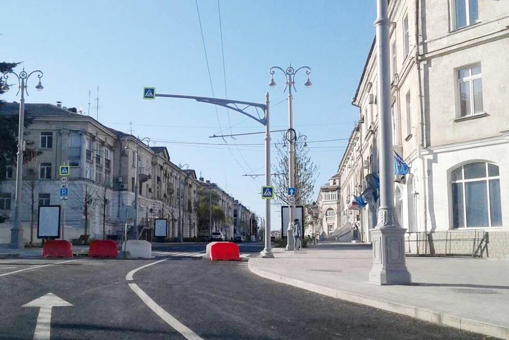 Улица Большая Морская в центре Севастополя
