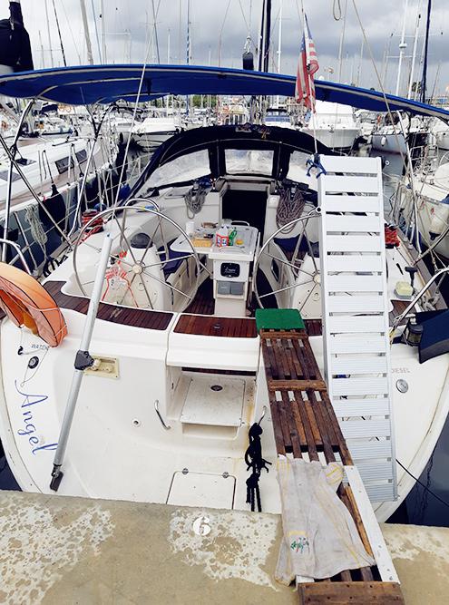 Чтобы разобраться в устройстве яхты, нужно быть готовым к большому количеству терминов. Просто попробуйте вбить в поисковик слово «стаксель» и прочитайте первые несколько предложений