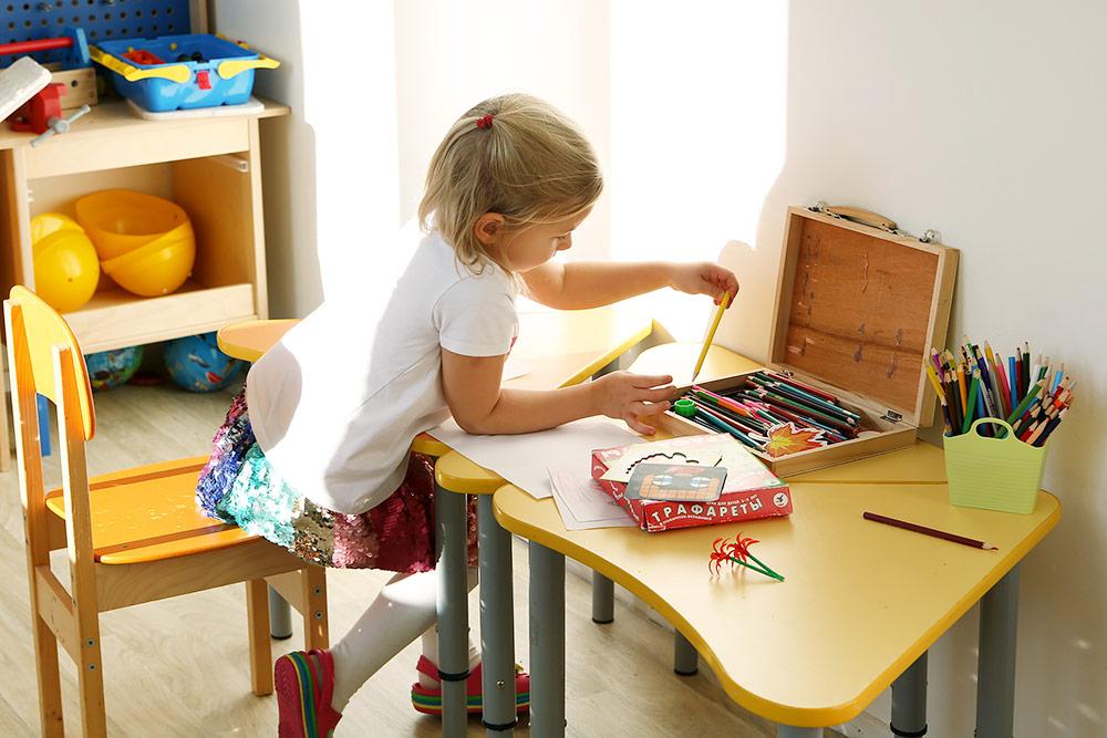 В «Интересном детском саду» ребенка как можно меньше заставляют делать то, что не хочется, зато поощряют в том, что нравится и получается. У малыша всегда есть право выбора