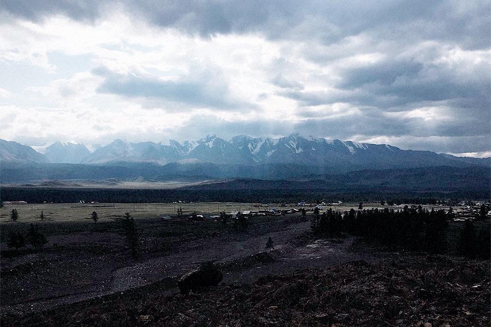 Снежные горы в Курае