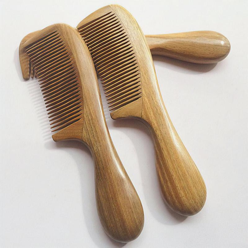 Расческа из сандала, стоит от 565 рублей, приедет за 48 дней, искать по запросу sandal wood comb