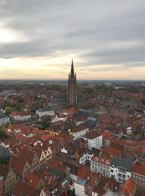 Потрясающий вид с башен крепости на Гент