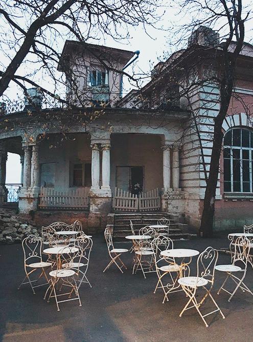 Романтические развалины Пятигорска