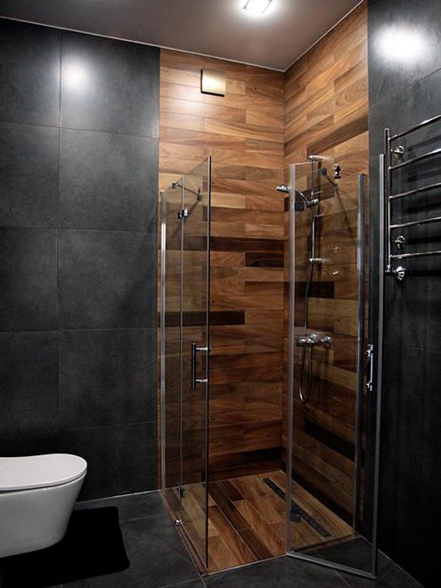 Мечту воплотили в жизнь, но пришлось поднять и утеплить пол в ванной и обустроить уклон, чтобы вода могла стекать к сливу