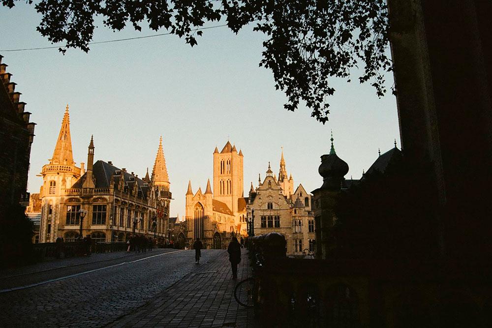 Это Гент. Бельгия принимала не самое активное участие в военных конфликтах новейшей истории, поэтому отлично сохранилась. Фото: Анна Лесных