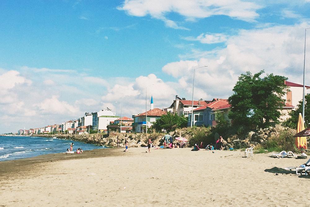 Якакент — пригород Самсуна, сюда мы ездим летом купаться. Туристов здесь не бывает, только местные жители